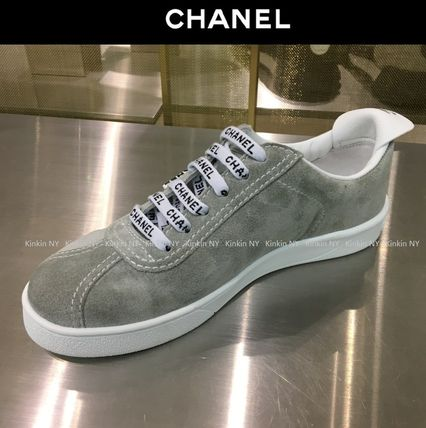 CHANEL Low-Top Casual Style Suede Street Style Plain Low-Top Sneakers 2