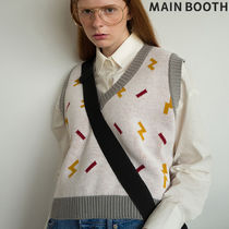 MAINBOOTH Vests