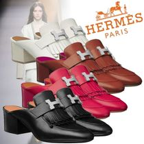HERMES Round Toe Plain Leather Block Heels Fringes Elegant Style