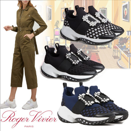 Elegant! Roger Vivier Viv'run with Strass Buckle Sneakers