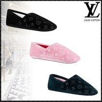 Louis Vuitton MONOGRAM Monogram Plain Toe Velvet Bi-color Elegant Style Slippers