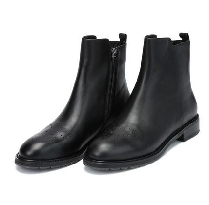Plain Leather Flat Boots