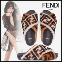 FENDI Rubber Sole Casual Style Sheepskin Shower Shoes Flat Sandals