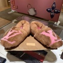 Louis Vuitton MONOGRAM Plain Toe Fur Bi-color Elegant Style Slippers Slip-On Shoes