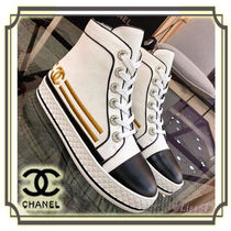 CHANEL Round Toe Casual Style Plain Low-Top Sneakers