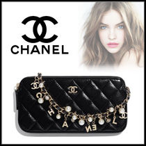 CHANEL Chain Party Style Clutches