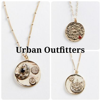 Necklaces & Pendants
