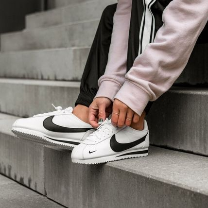 Nike CORTEZ 2018 19AW Unisex Street Style Plain Leather Sneakers (807480 104)