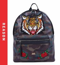 REASON Flower Patterns Camouflage Faux Fur Street Style Backpacks