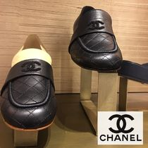 CHANEL Plain Leather Chunky Heels Loafer Pumps & Mules