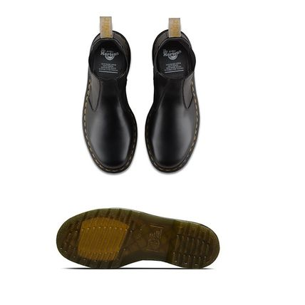 Dr Martens Ankle & Booties Round Toe Unisex Plain Leather Block Heels Chelsea Boots 3