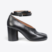 Maison Martin Margiela Round Toe Leather Block Heels Block Heel Pumps & Mules