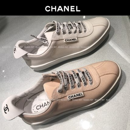 CHANEL Low-Top Round Toe Lace-up Casual Style Plain Low-Top Sneakers