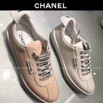 CHANEL Round Toe Lace-up Casual Style Plain Logo Low-Top Sneakers