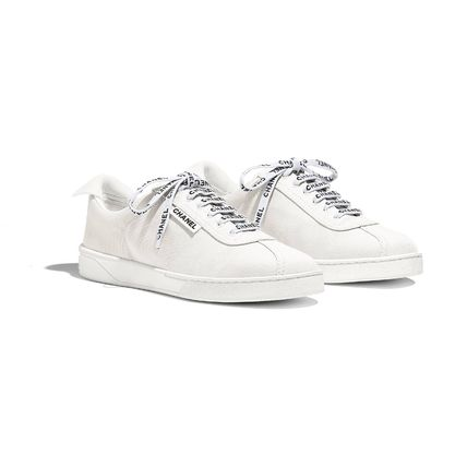 CHANEL Low-Top Round Toe Lace-up Casual Style Plain Logo Low-Top Sneakers 4