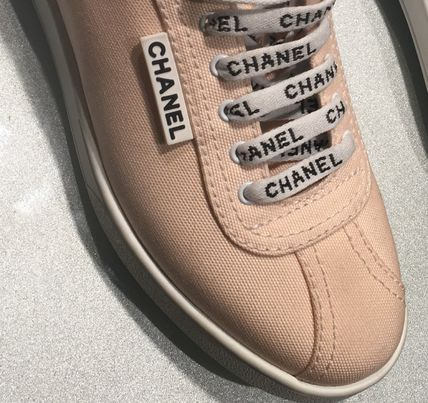 CHANEL Low-Top Round Toe Lace-up Casual Style Plain Low-Top Sneakers 6