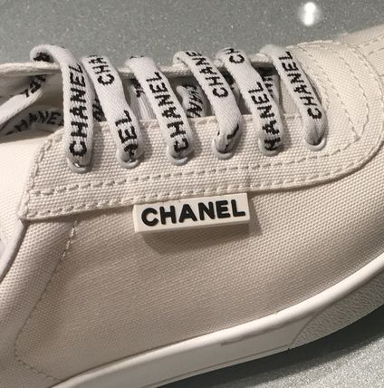 CHANEL Low-Top Round Toe Lace-up Casual Style Plain Low-Top Sneakers 7
