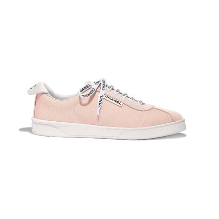 CHANEL Low-Top Round Toe Lace-up Casual Style Plain Logo Low-Top Sneakers 8