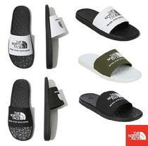 THE NORTH FACE Unisex Street Style Shower Shoes Khaki Shower Sandals