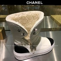 CHANEL Platform Round Toe Bi-color Leather Elegant Style