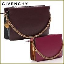GIVENCHY Casual Style Street Style 3WAY Chain Plain Clutches