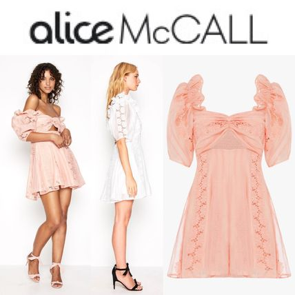 Short Puffed Sleeves U-Neck Plain Party Style Lace Dresses