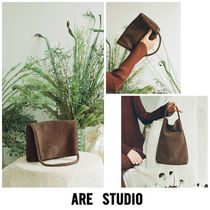 ARE STUDIO Casual Style Suede 2WAY Plain Clutches