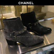 CHANEL Plain Toe Chain Plain Leather Block Heels Elegant Style