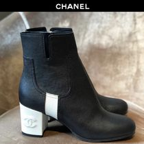 CHANEL Plain Toe Bi-color Leather Block Heels Elegant Style