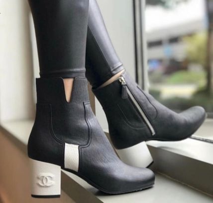 Plain Toe Bi-color Leather Block Heels Elegant Style