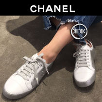 CHANEL Plain Toe Casual Style Bi-color Plain Leather