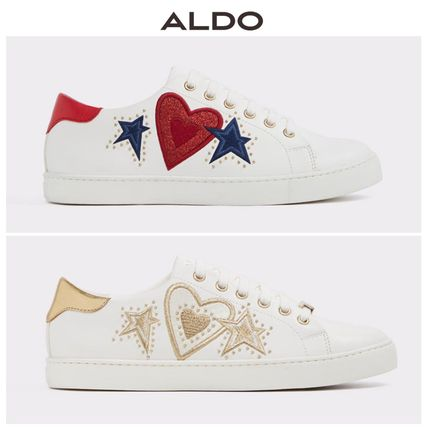 Heart Star Round Toe Casual Style Low-Top Sneakers