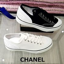 CHANEL Casual Style Plain Low-Top Sneakers