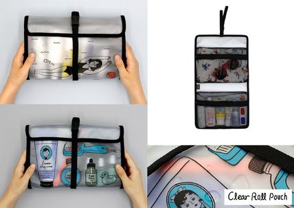Unisex Street Style Pouches & Cosmetic Bags