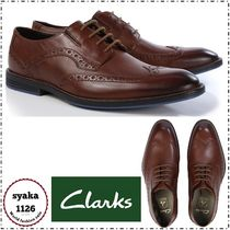 Clarks Wing Tip Leather Oxfords
