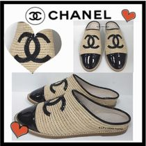 CHANEL ICON Casual Style Blended Fabrics Bi-color Plain Sandals