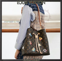 Louis Vuitton NEONOE Monogram Canvas Blended Fabrics Tassel Bi-color Purses
