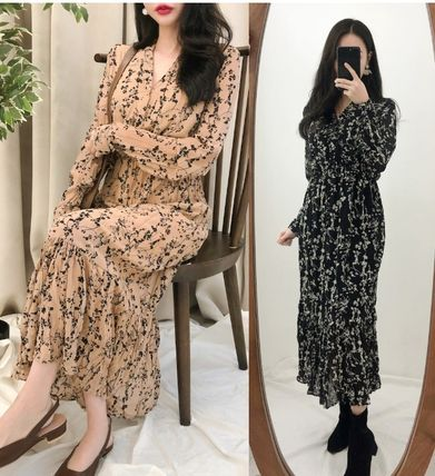 Flower Patterns Casual Style Flared V-Neck Long Sleeves Long