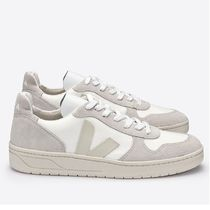 VEJA V10 Casual Style Unisex Plain Low-Top Sneakers
