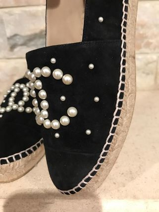 CHANEL Slip-On Platform Round Toe Suede With Jewels Elegant Style 3