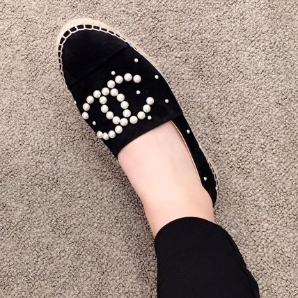 CHANEL Slip-On Platform Round Toe Suede With Jewels Elegant Style 7