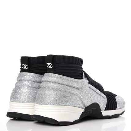 CHANEL Low-Top Round Toe Casual Style Bi-color Glitter Logo 8