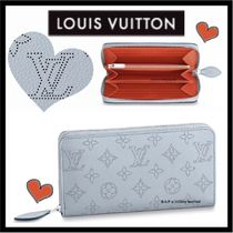 Louis Vuitton MAHINA Monogram Unisex Calfskin Plain Long Wallets