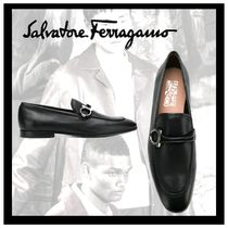 Salvatore Ferragamo Moccasin Plain Leather Loafers & Slip-ons