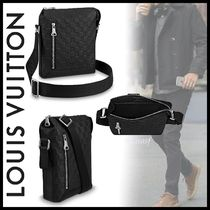Louis Vuitton DAMIER INFINI Discovery Messenger Bb