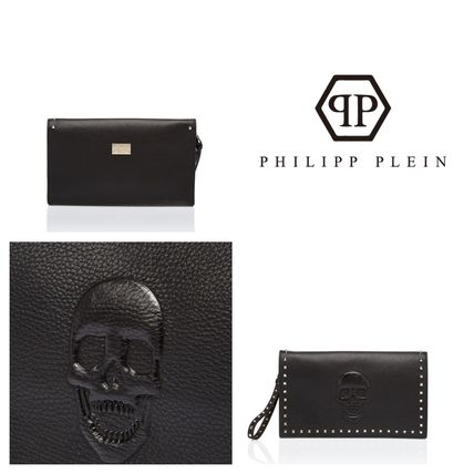 Skull Casual Style Calfskin Studded Plain Halloween Clutches