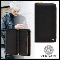 VERSACE Street Style Leather Wallets & Small Goods