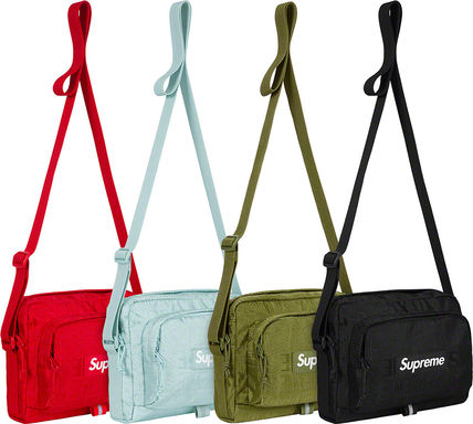 Supreme Men s Messenger   Shoulder Bags  Shop Online in US  e0a9b12aa5606