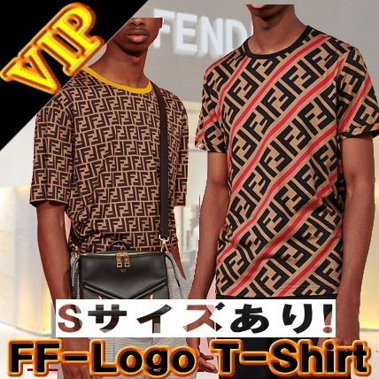 FENDI Crew Neck Crew Neck Monogram Unisex Street Style Cotton Short Sleeves 11