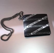 BALENCIAGA EVERYDAY TOTE Monogram Unisex Chain Leather Folding Wallets